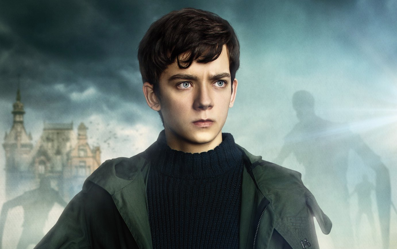 http://bookstacked.com/wp-content/uploads/2016/06/Asa-Butterfield-in-Miss-Peregrines-Home-for-Peculiar-Children.jpg