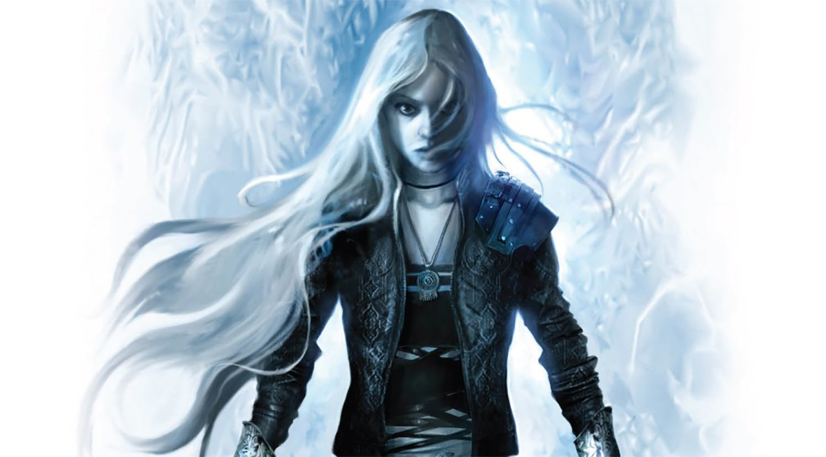 Throne of Glass series to be re-published in miniature editions ...